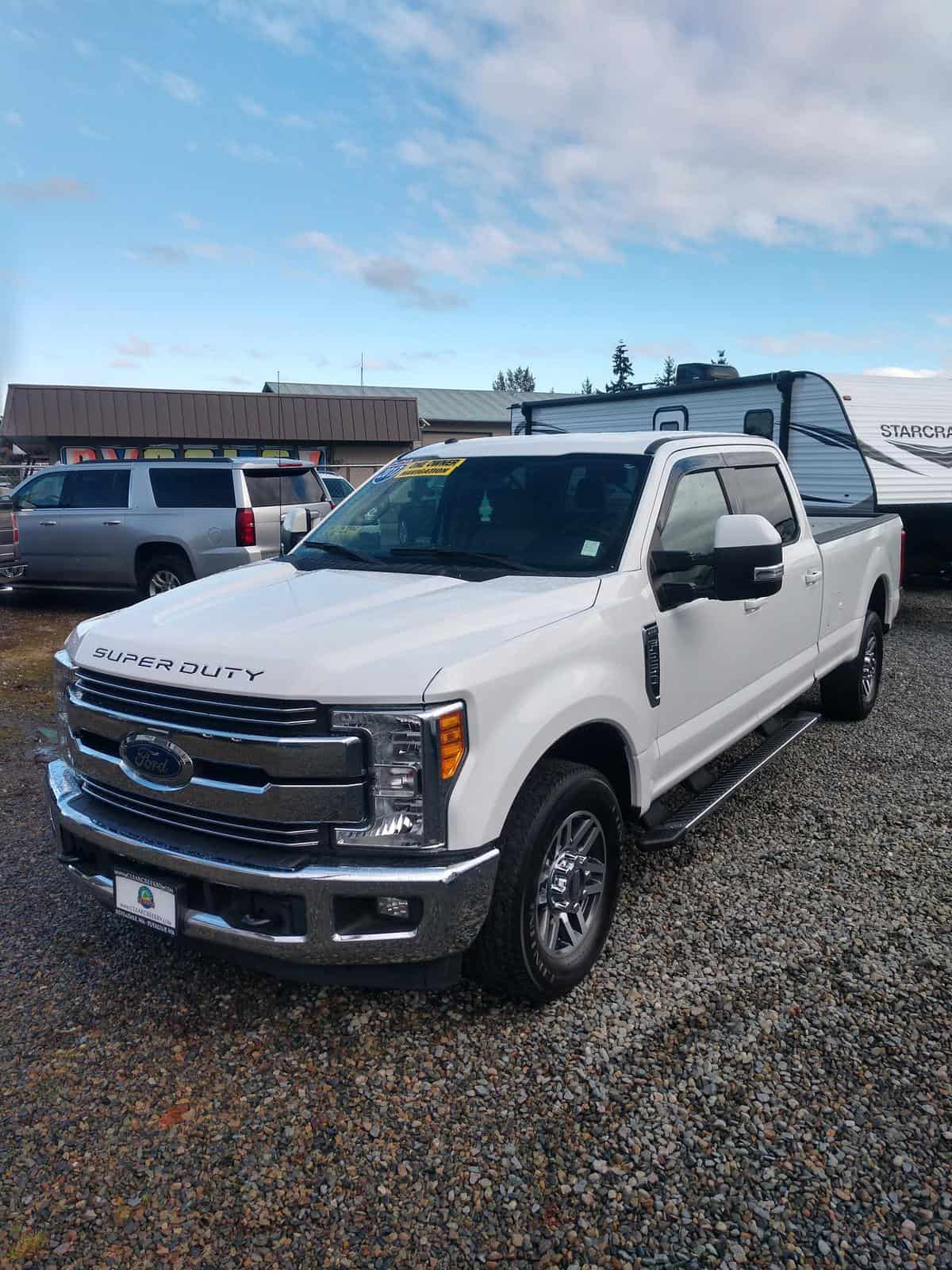 USED 2017 Ford F250SD LARIAT RWD