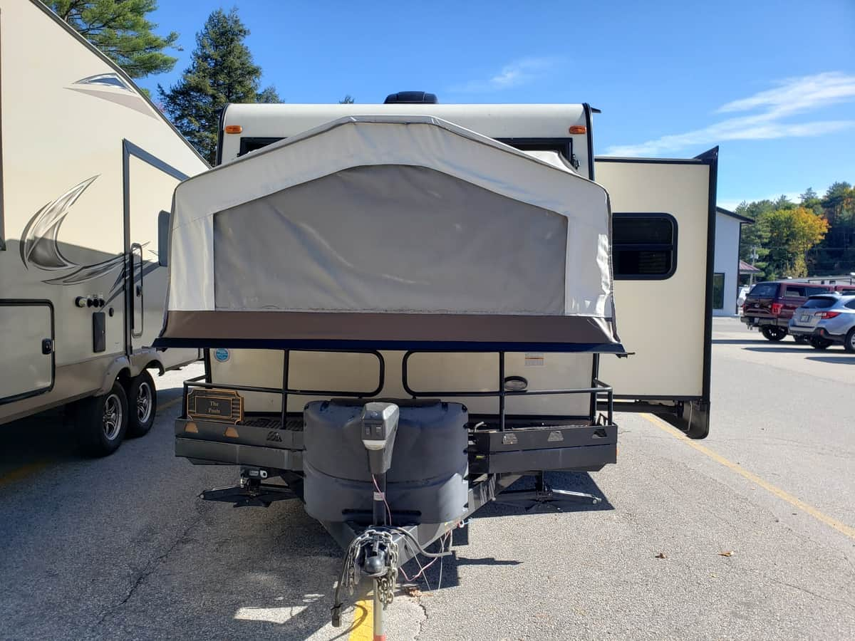 USED 2016 FOREST RIVER ROCKWOOD ROO 21BD