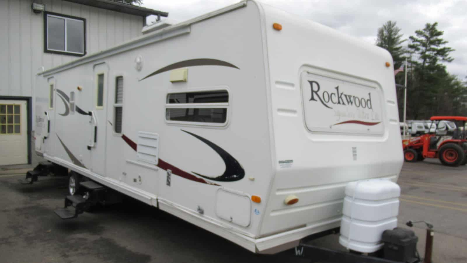 USED 2007 FOREST RIVER ROCKWOOD 8315SS