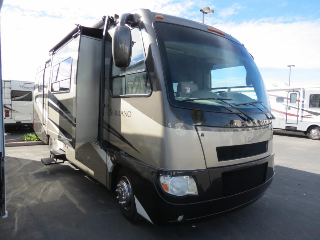 2010 Thor Motor Coach Serrano 31V ( Used ) - Freedom RV
