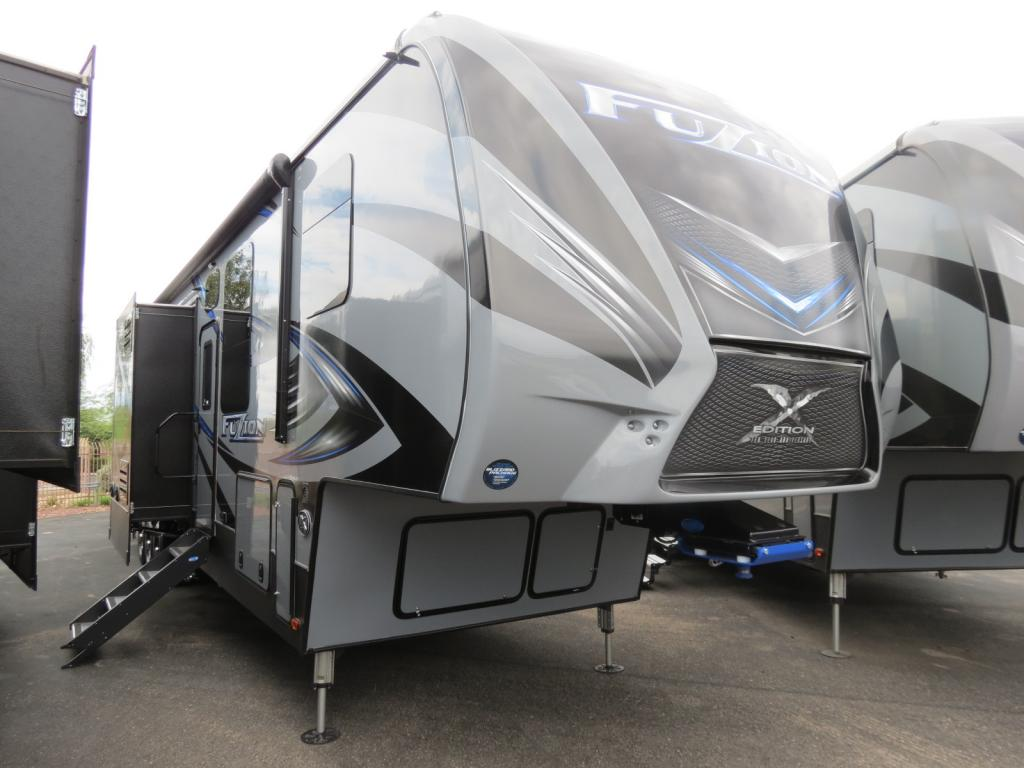 NEW 2018 Keystone Fuzion 4231 - Freedom RV