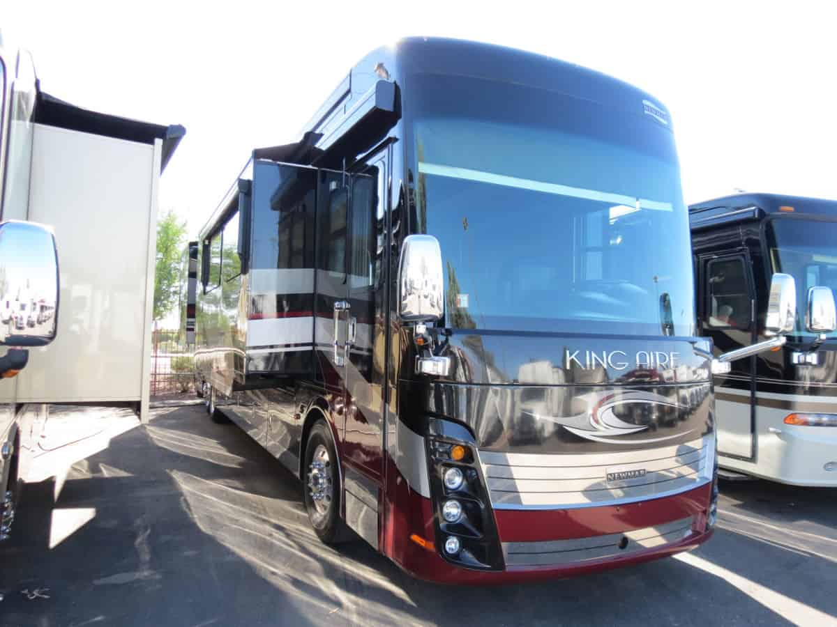 USED 2015 Newmar King Aire 4599