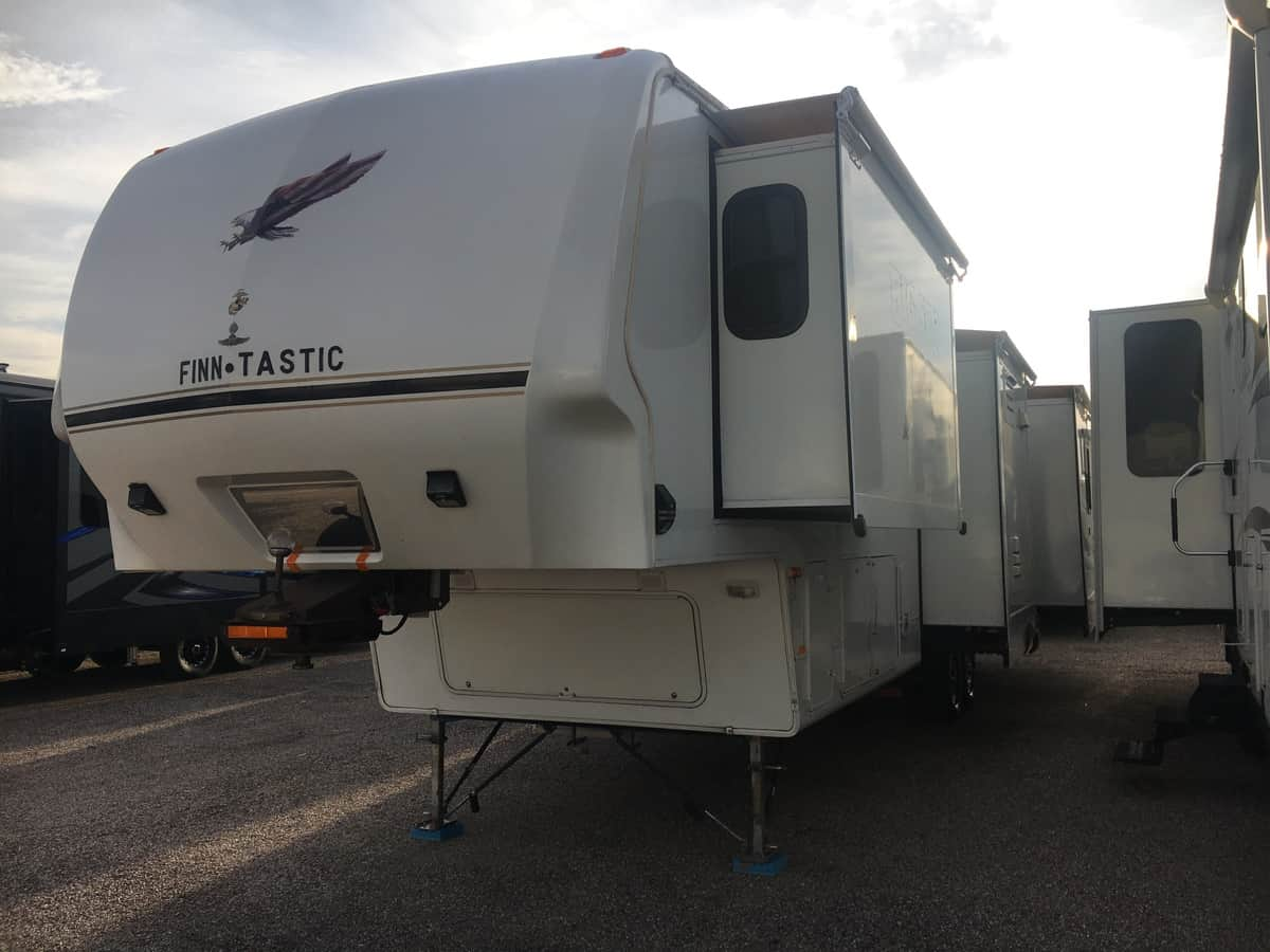 USED 2008 Keystone Big Sky Montana 340RLQ - Freedom RV