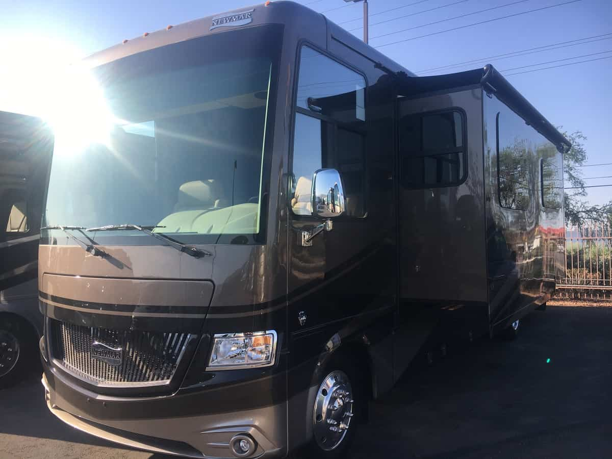 NEW 2018 Newmar Canyon Star 3710 - Freedom RV