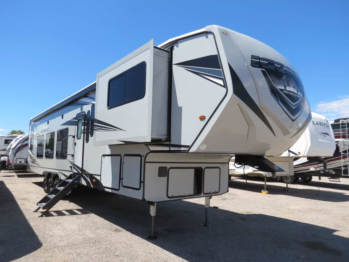NEW 2021 Eclipse Iconic 4028CL
