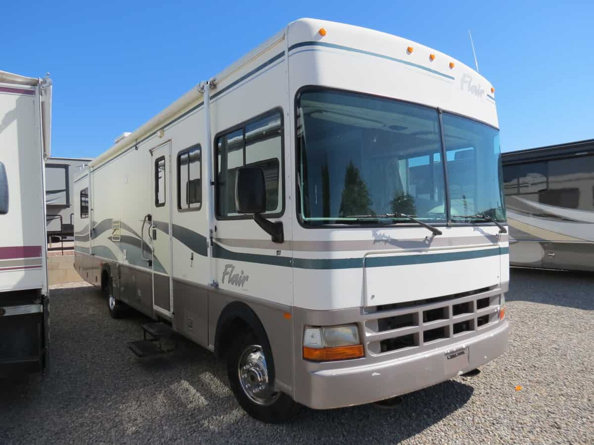USED 1999 Fleetwood Flair 34D