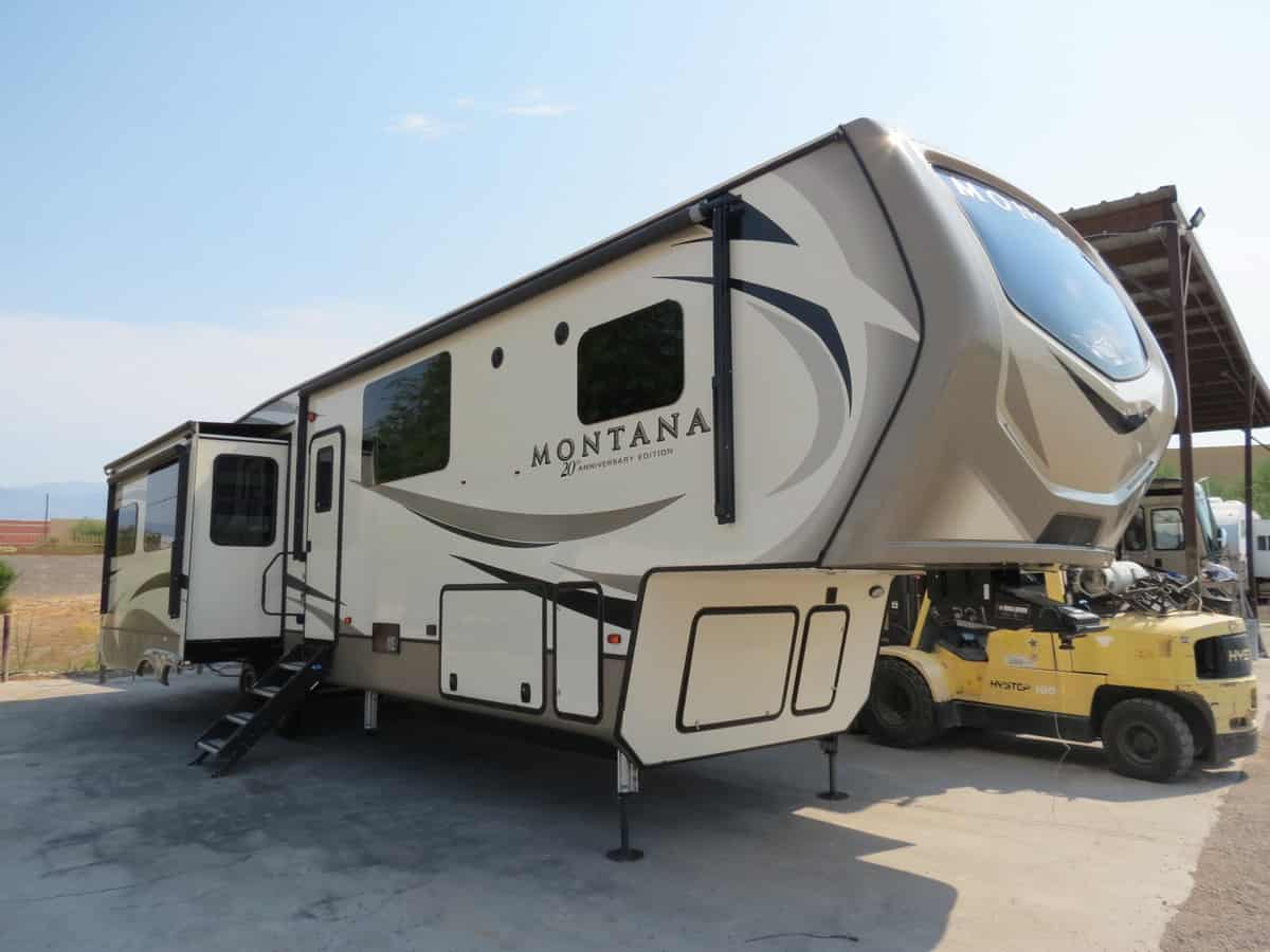 USED 2019 Keystone Montana 3811MS