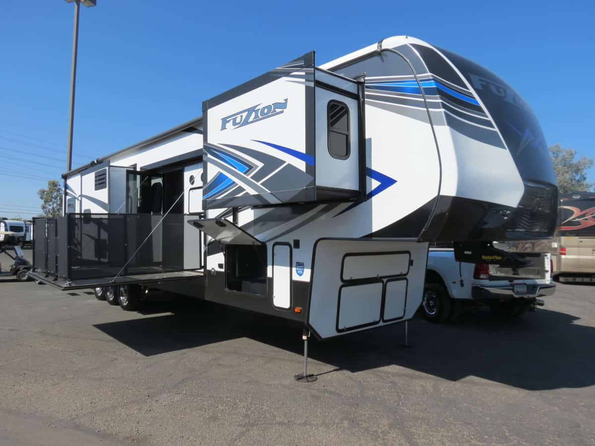 NEW 2021 Keystone Fuzion 424