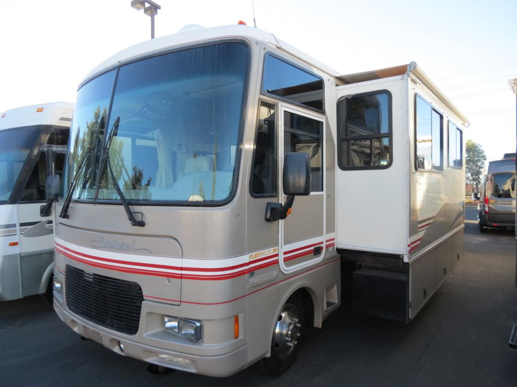 USED 2000 Fleetwood Southwind 32V - Freedom RV