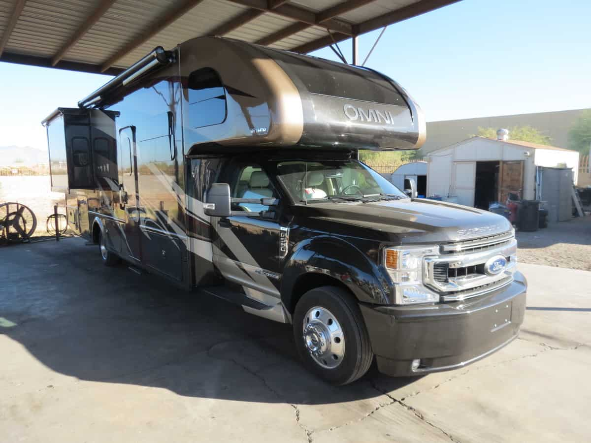 NEW 2021 Thor Motorcoach Omni BH35
