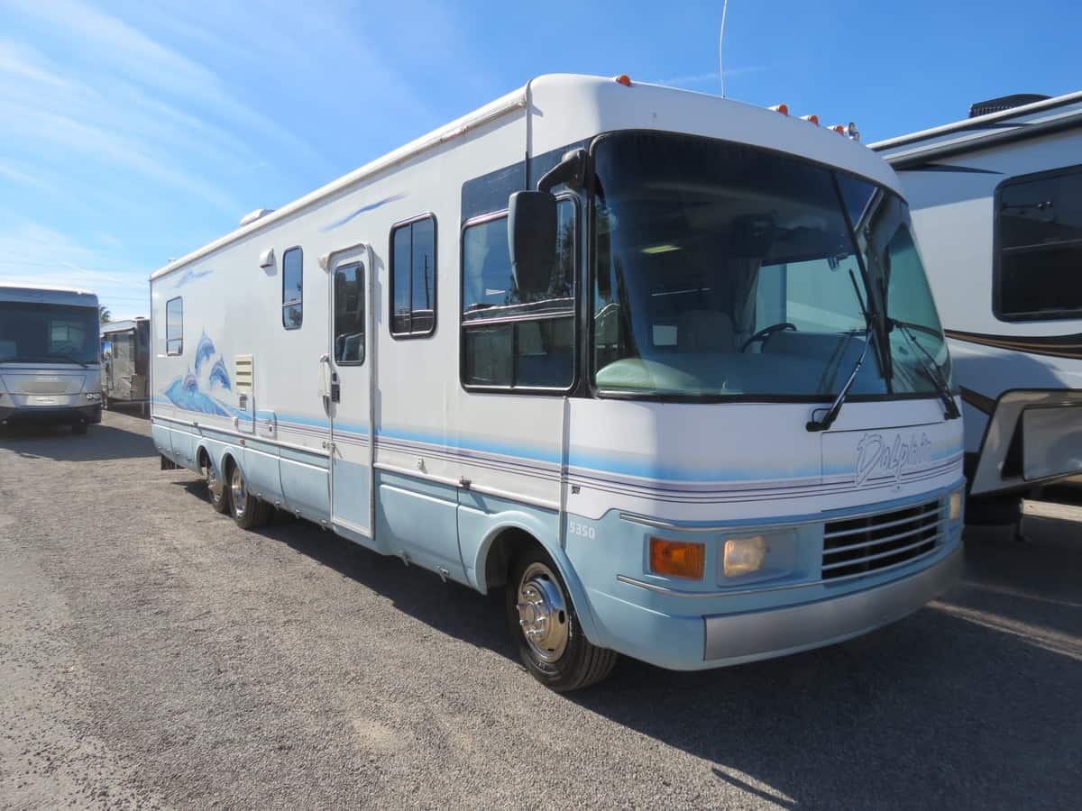 USED 1999 National Rv Dolphin 35'