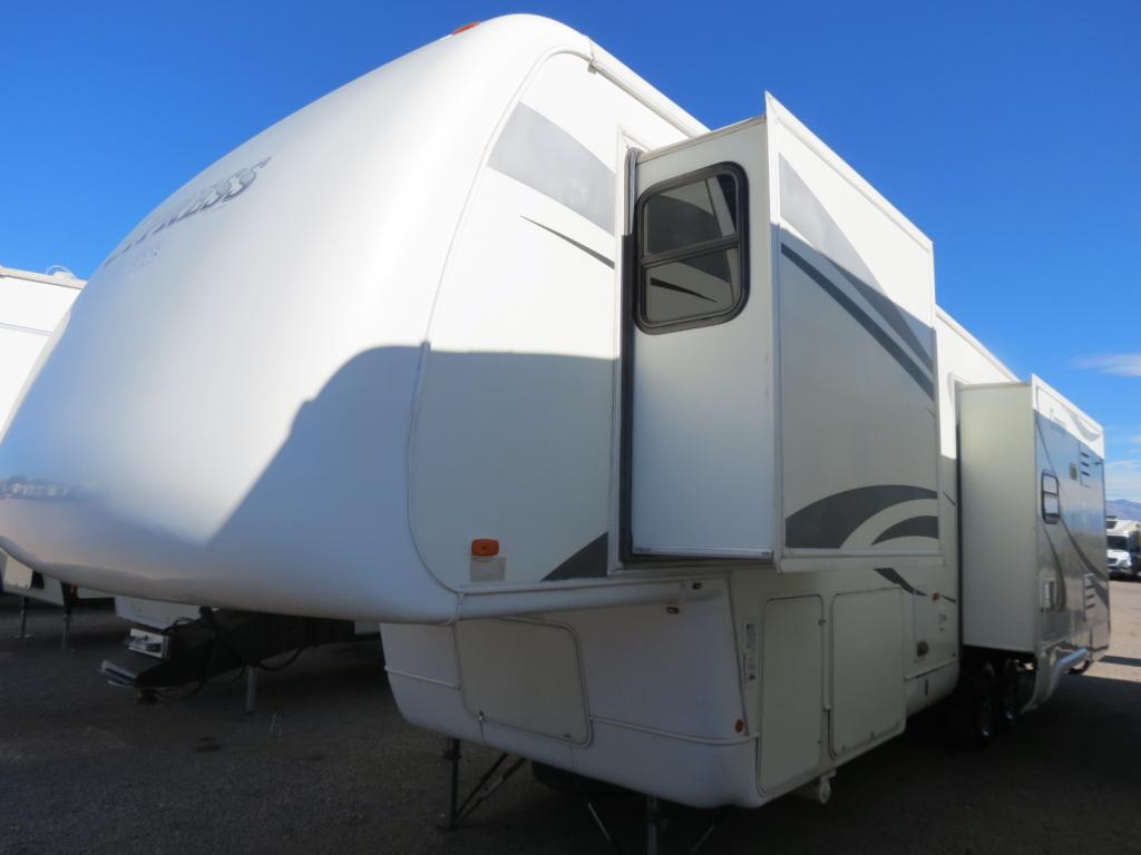 USED 2006 Newmar Cypress 32 RLKS - Freedom RV