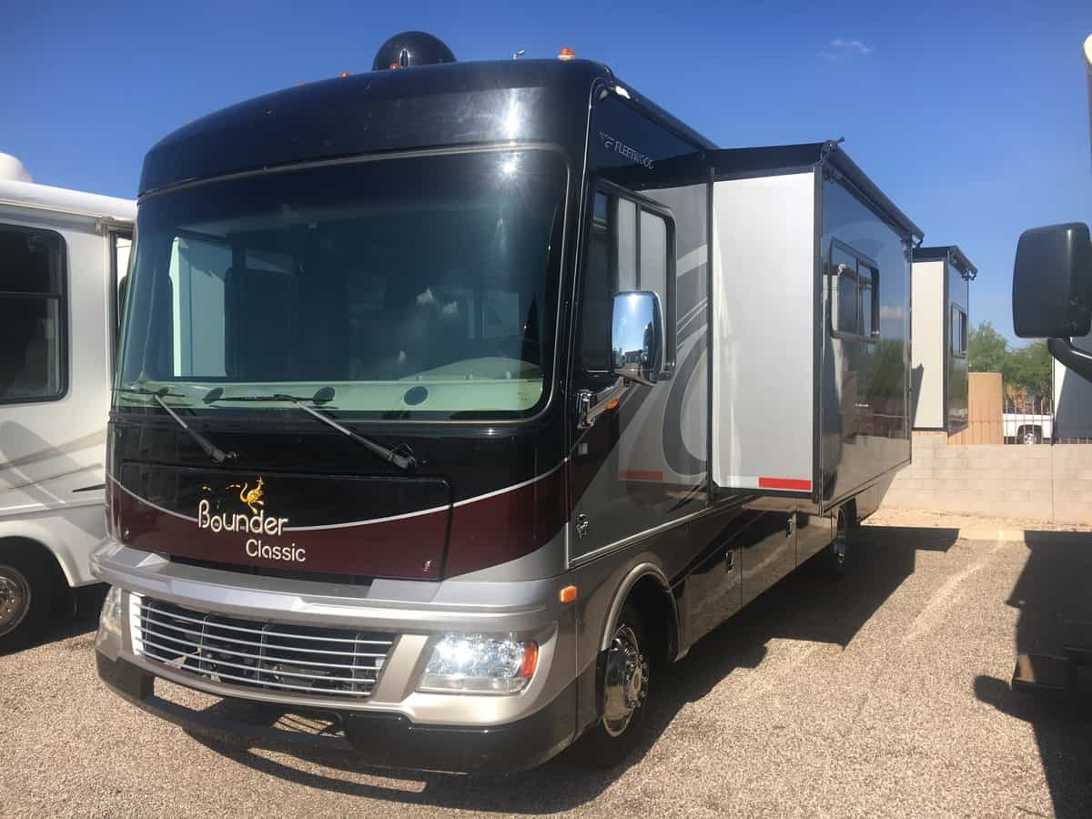 USED 2014 Fleetwood Bounder 30T - Freedom RV