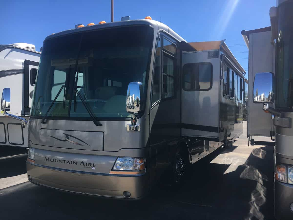 USED 2005 Newmar Mountain Aire 4305 - Freedom RV