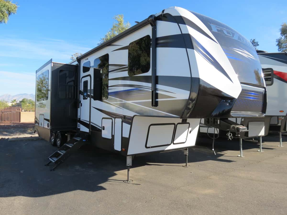 NEW 2019 Keystone Fuzion 357 - Freedom RV