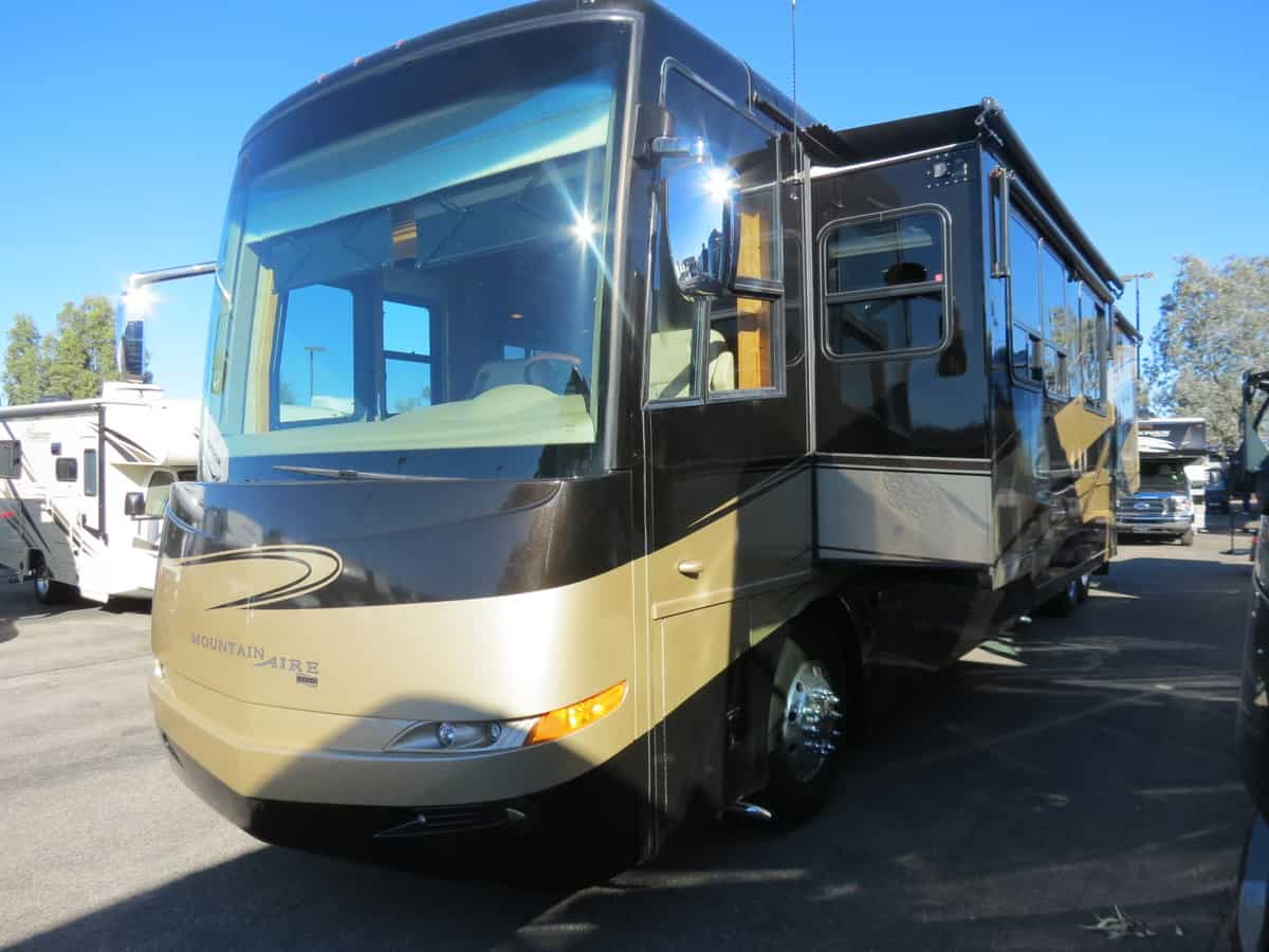 USED 2007 Newmar Mountain Aire 4528