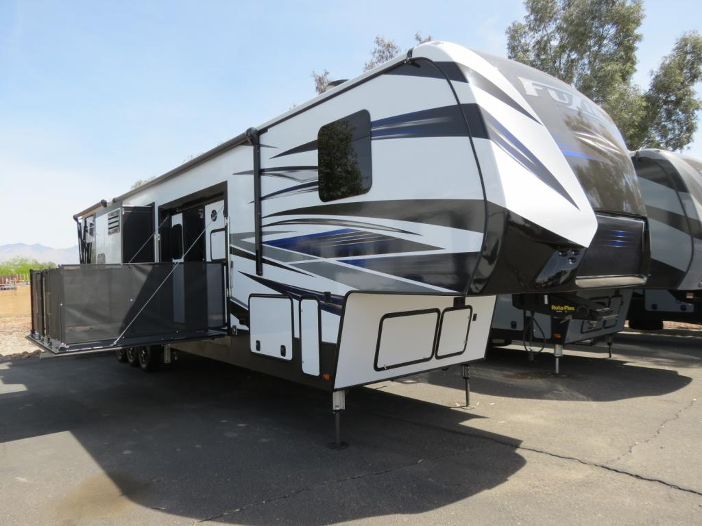 NEW 2018 Keystone Fuzion 424 - Freedom RV