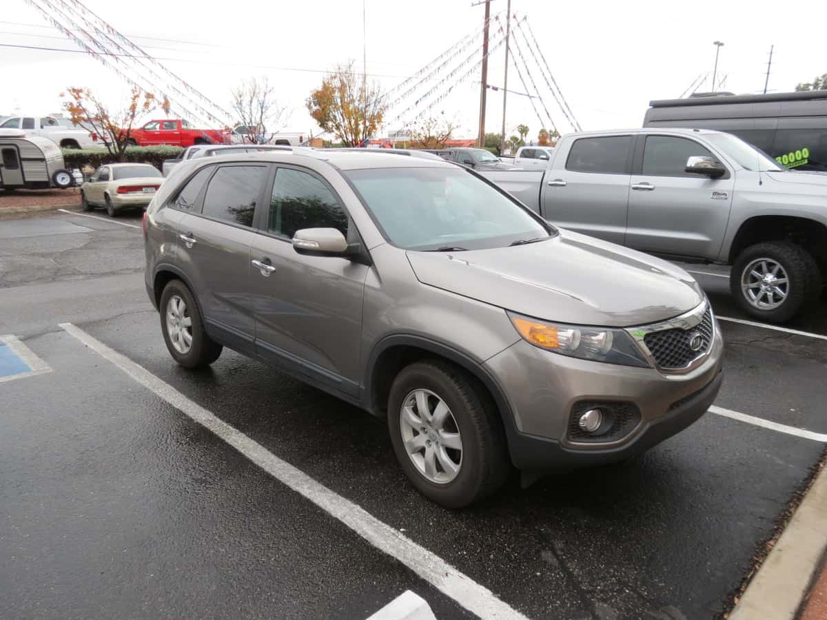 USED 2012 Kia Kia SORENTO - Freedom RV