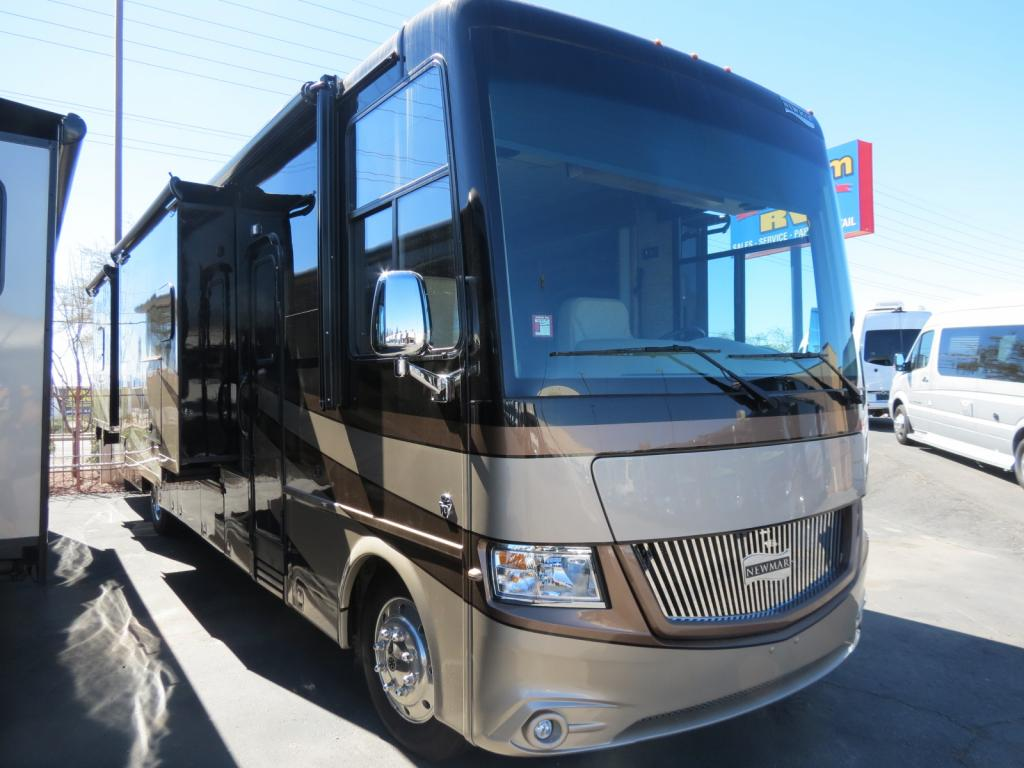 2017 Newmar Canyon Star 3953 ( Used ) - Freedom RV