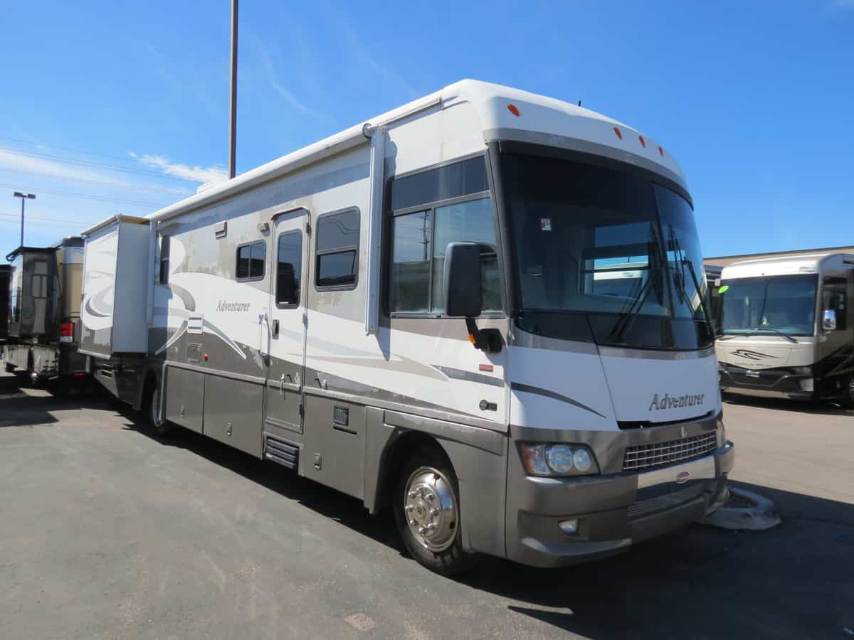 USED 2006 Winnebago Adventurer 37' - Freedom RV
