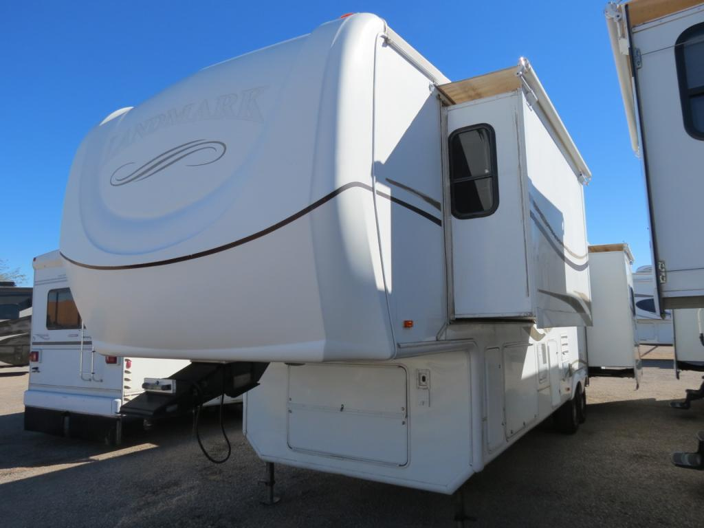 USED 2005 Heartland Landmark RUSHMORE - Freedom RV