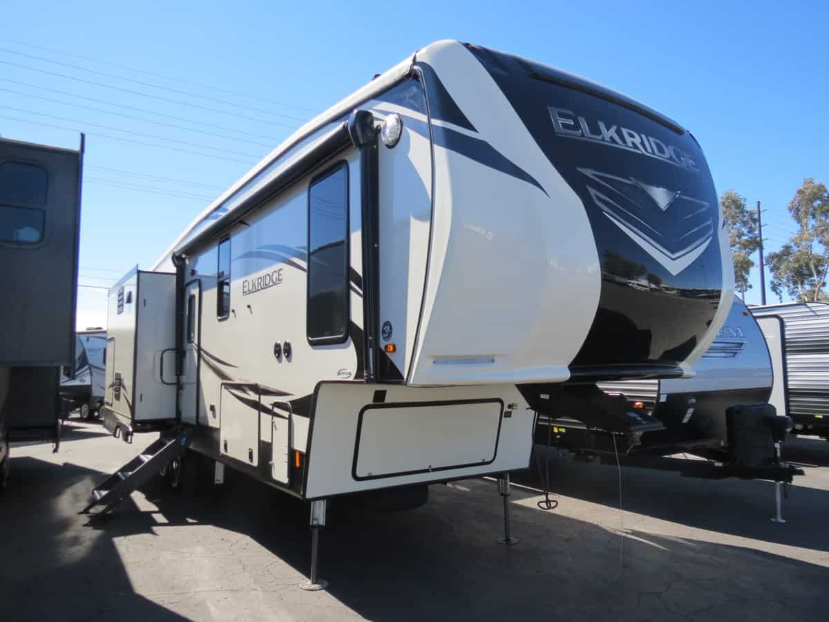 NEW 2019 Heartland Elkridge 31RLK - Freedom RV