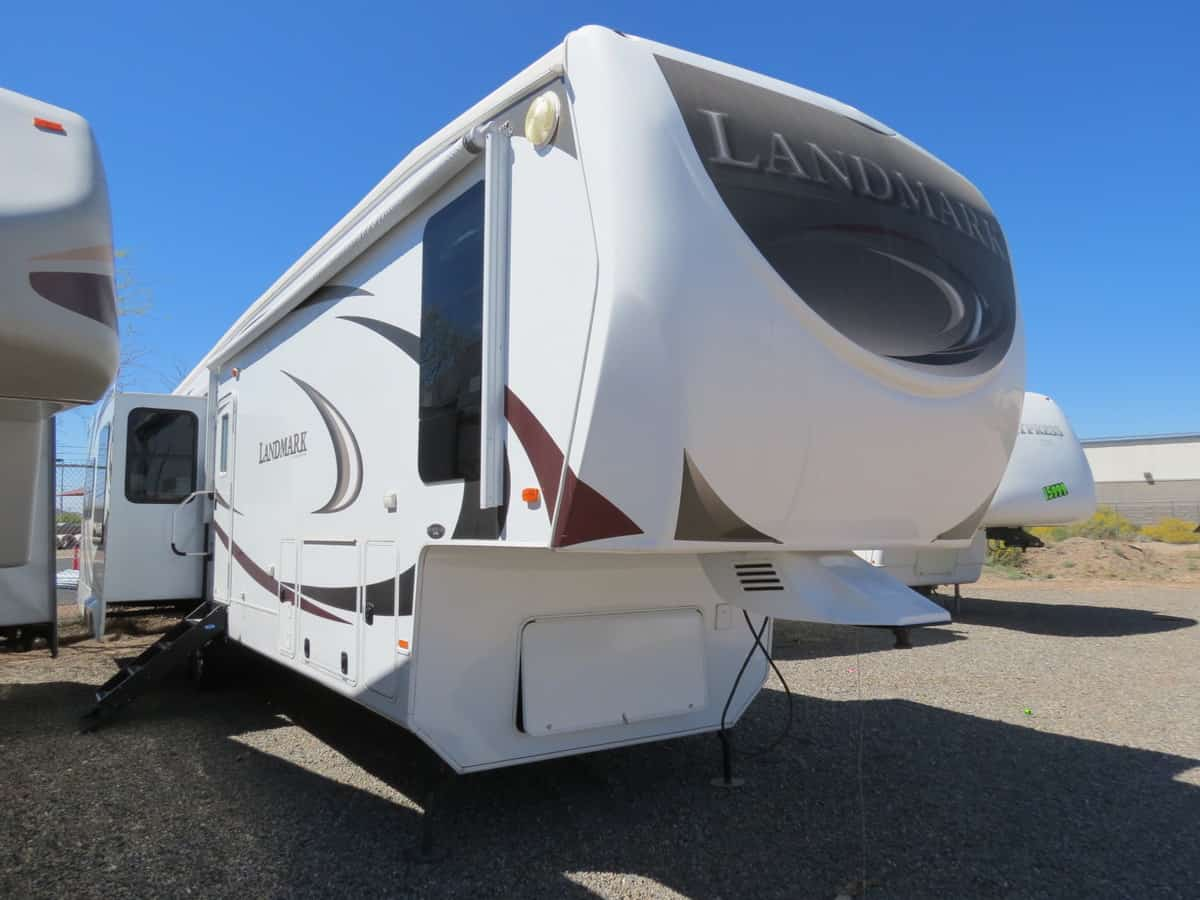USED 2011 Heartland Landmark SAN ANTONIO - Freedom RV