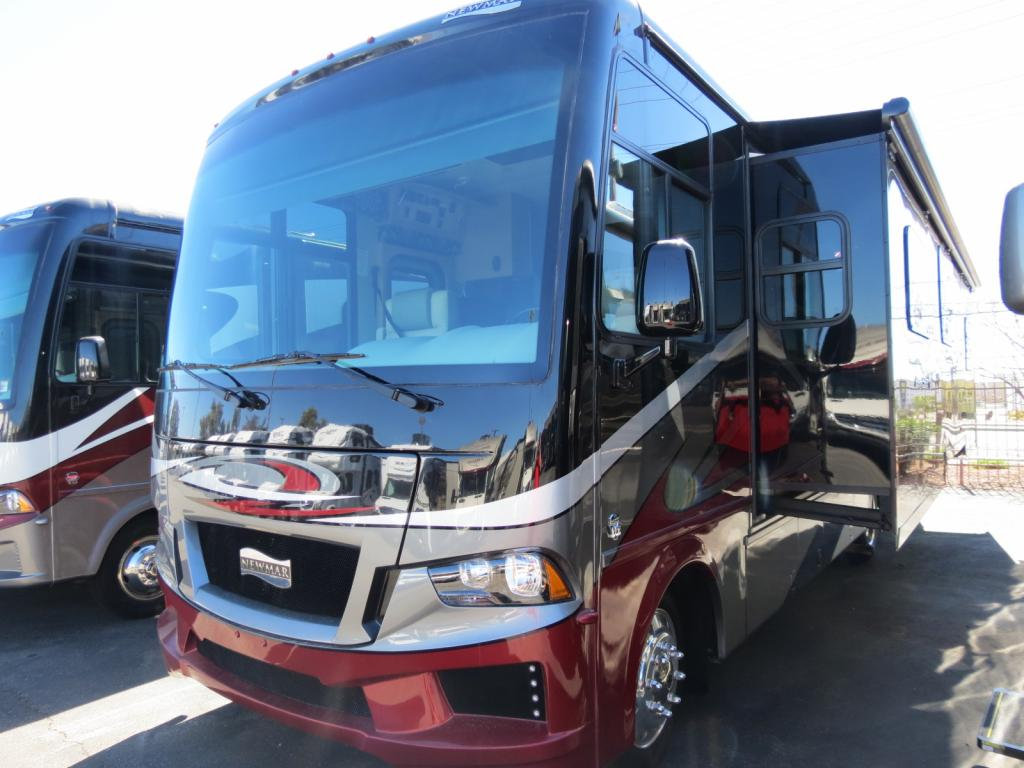 NEW 2018 Newmar Bay Star 3124 - Freedom RV