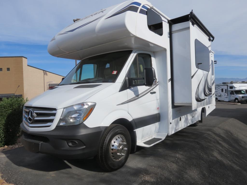 NEW 2018 Forest River Sunseeker 2400RSD - Freedom RV