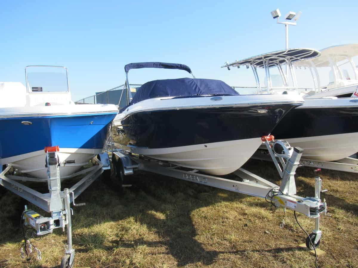 NEW 2018 Robalo R207 - Long Island, NY Boat Dealer | Boat Sales & Rentals