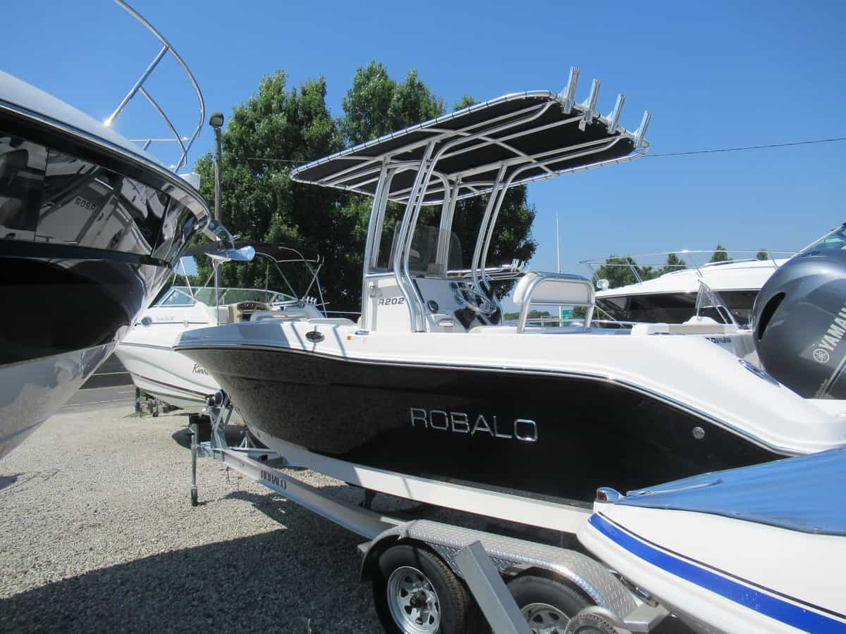 NEW 2018 Robalo R202 - Long Island, NY Boat Dealer | Boat Sales & Rentals