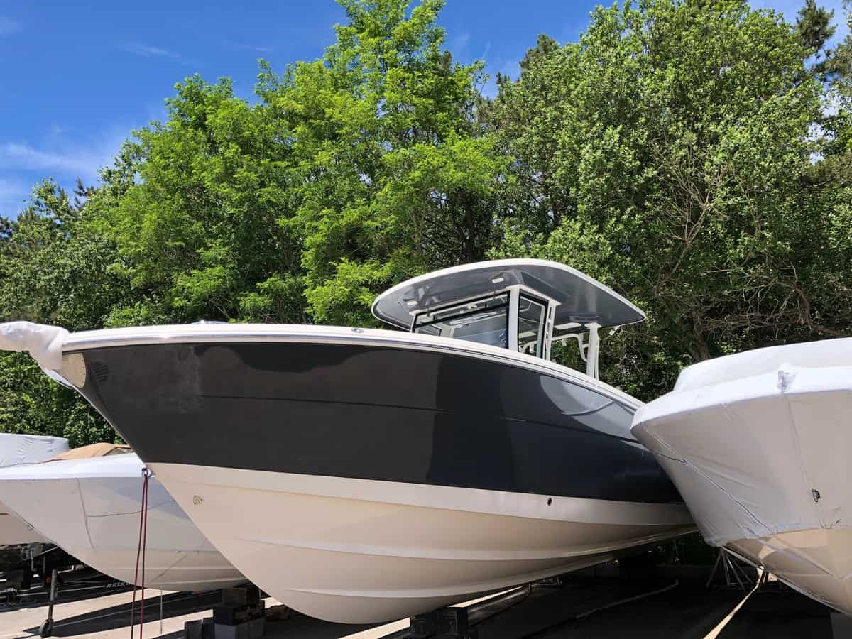 NEW 2018 Robalo R302 - Long Island, NY Boat Dealer | Boat Sales & Rentals