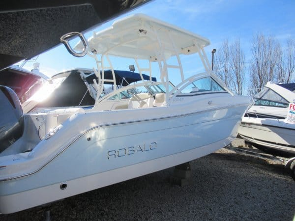 NEW 2018 Robalo R247 247 - Long Island, NY Boat Dealer | Boat Sales & Rentals