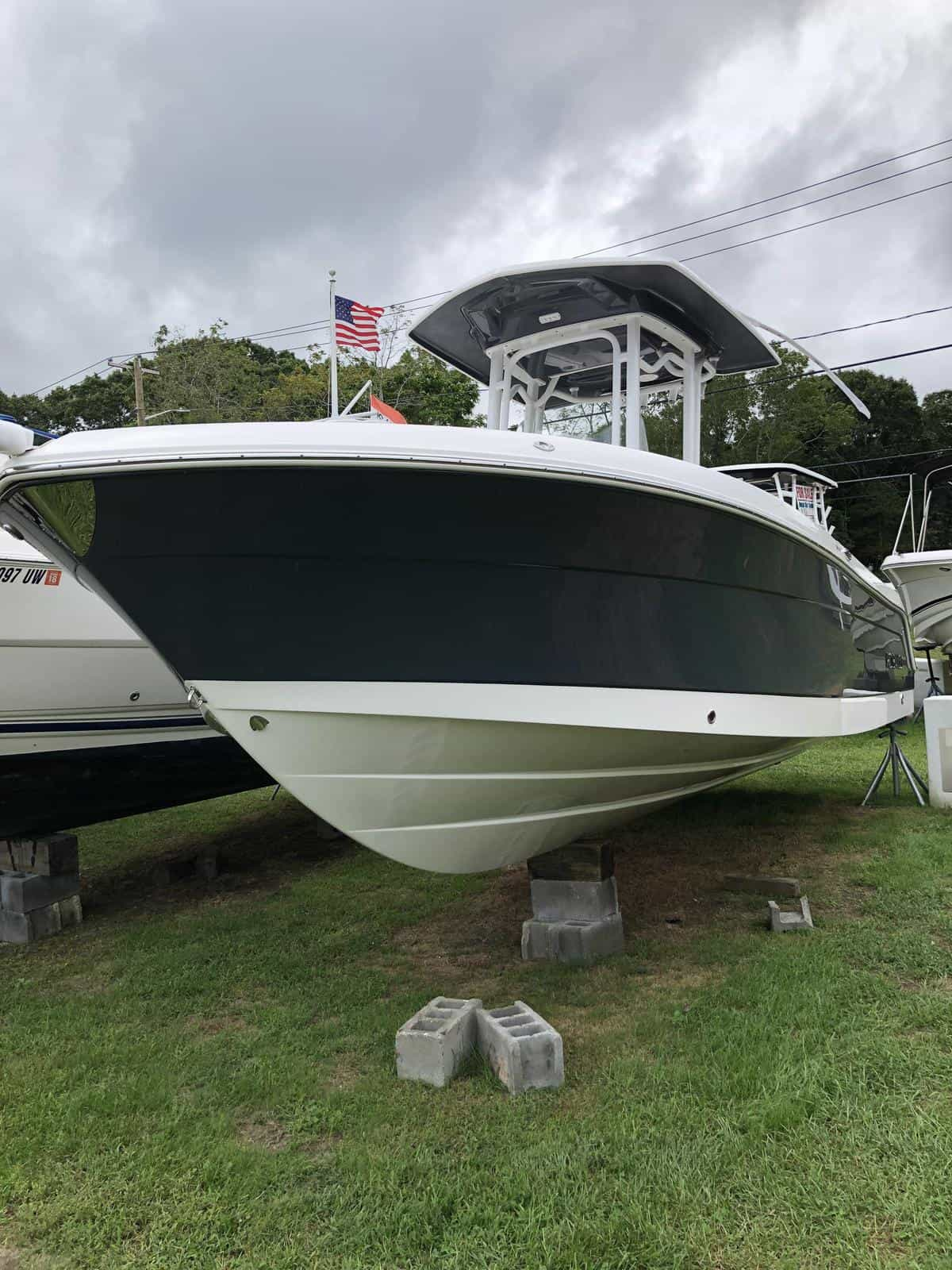 NEW 2018 Robalo R242 Explorer - Great Bay Marine