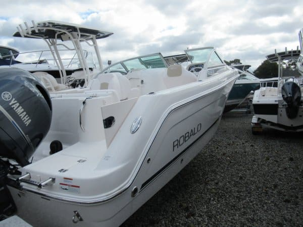 NEW 2018 Robalo R227 - Long Island, NY Boat Dealer | Boat Sales & Rentals