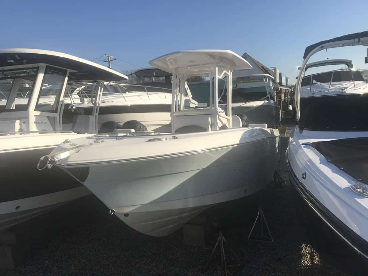 NEW 2019 Robalo R242 - Great Bay Marine