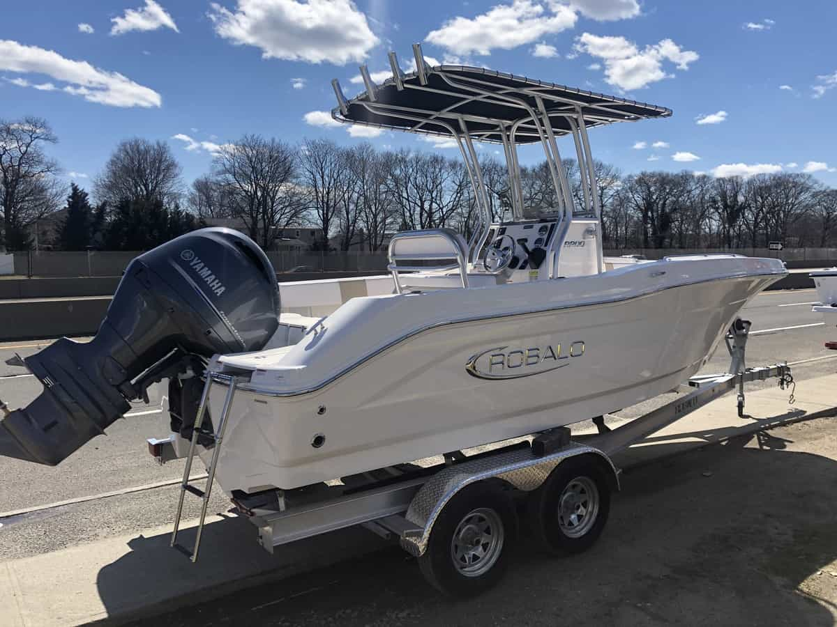 NEW 2019 Robalo R200 - Great Bay Marine
