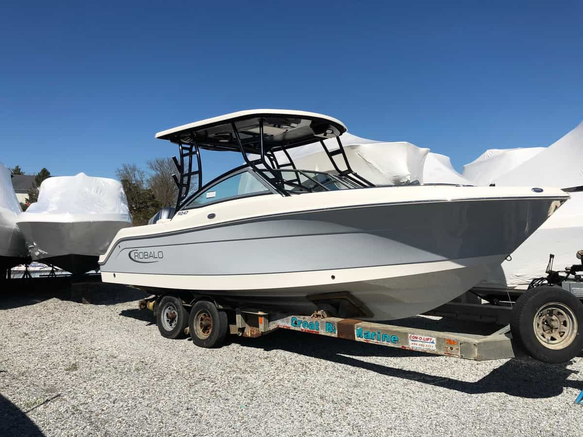 NEW 2019 Robalo R247 - Great Bay Marine