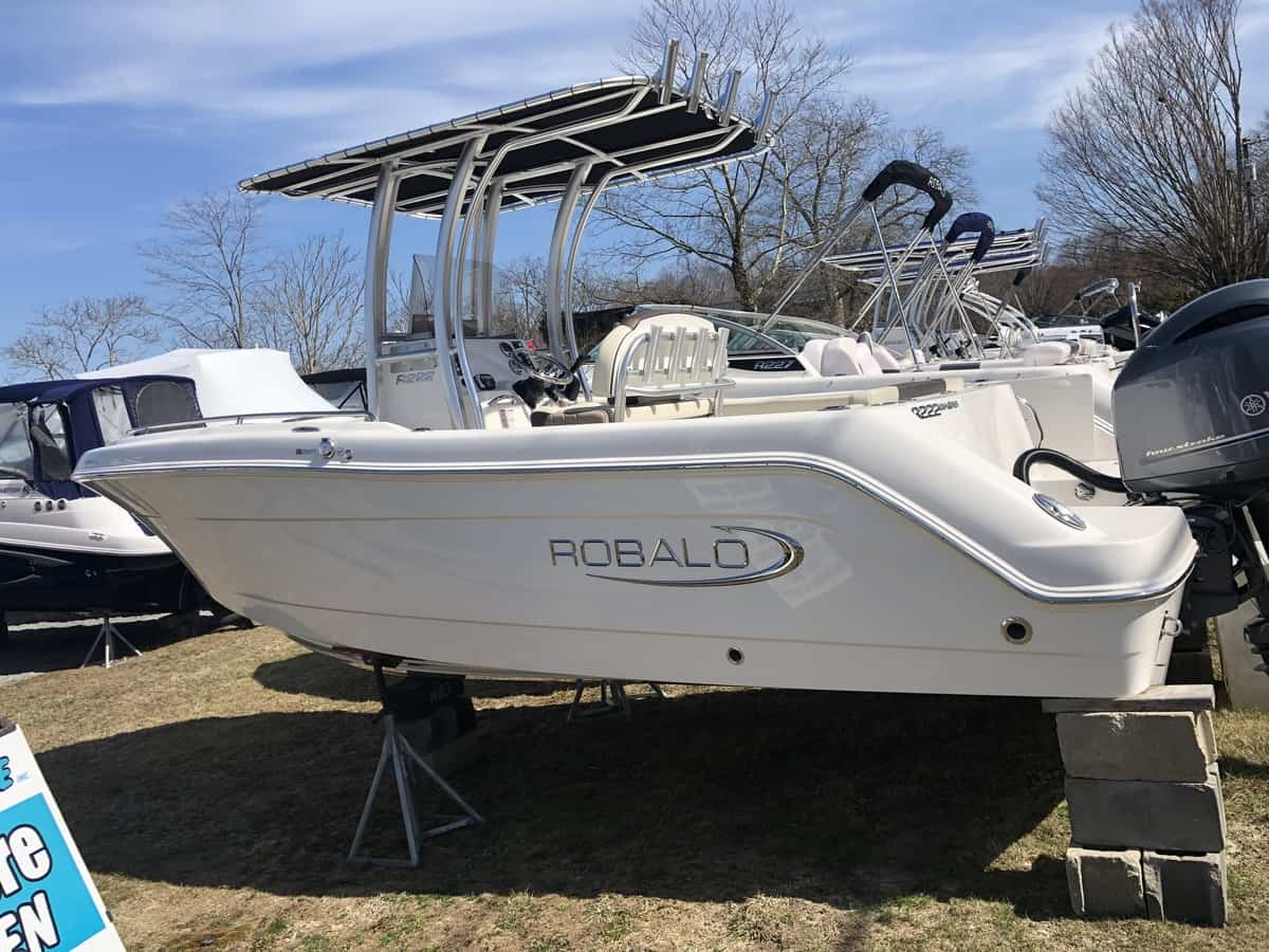 NEW 2019 Robalo R222EX - Great Bay Marine