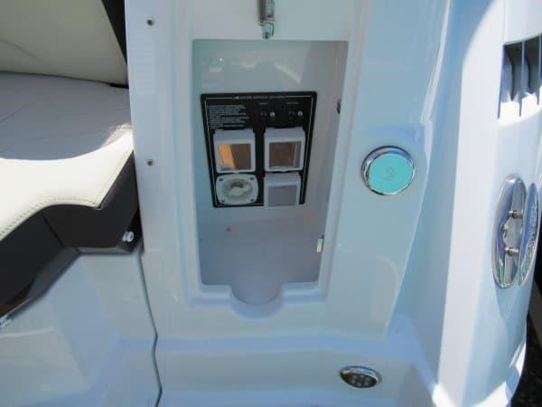 NEW 2018 Monterey 335 Sport Yacht - Great Bay Marine