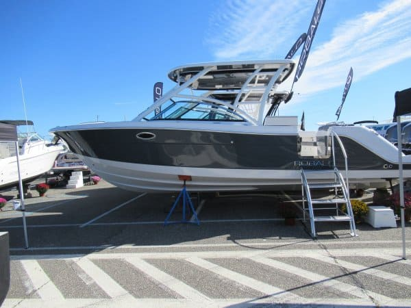 NEW 2018 Robalo R317 317 - Long Island, NY Boat Dealer | Boat Sales & Rentals