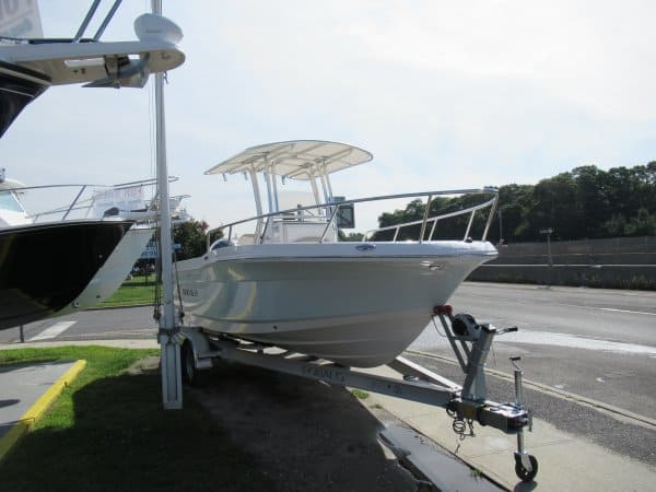 NEW 2017 Robalo R200 - Long Island, NY Boat Dealer | Boat Sales & Rentals