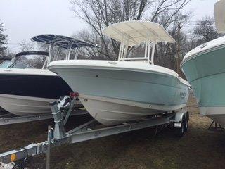 NEW 2017 Robalo R200 ES - Long Island, NY Boat Dealer | Boat Sales & Rentals