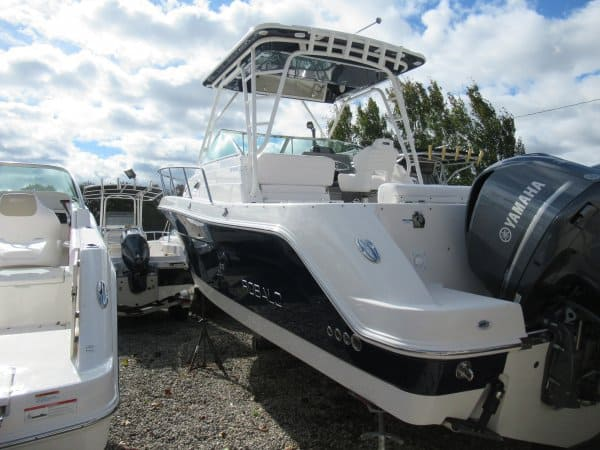 NEW 2018 Robalo R305 305 - Long Island, NY Boat Dealer | Boat Sales & Rentals
