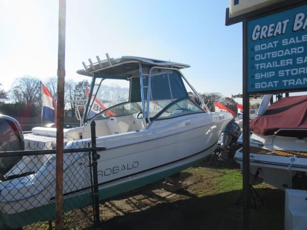 USED 2014 Robalo R247 - Long Island, NY Boat Dealer | Boat Sales & Rentals