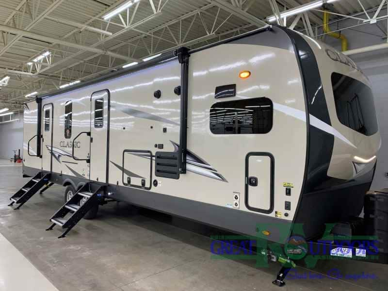 NEW 2021 Forest River Flagstaff 832CLSB