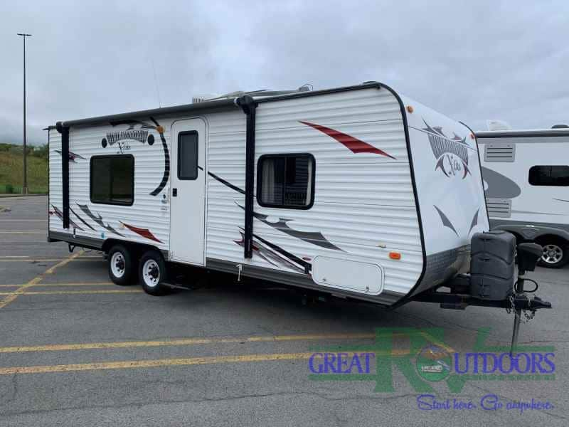 USED 2013 Wildwood 241QBXL