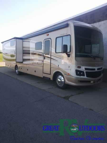 USED 2017 Bounder 36H