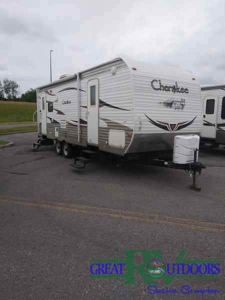 USED 2010 Cherokee 26L