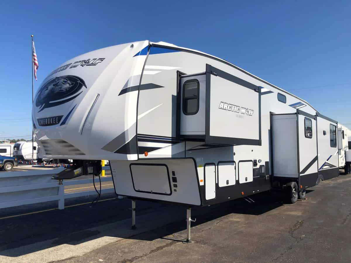 NEW 2021 Forest River Arctic Wolf 3660SUITE-75
